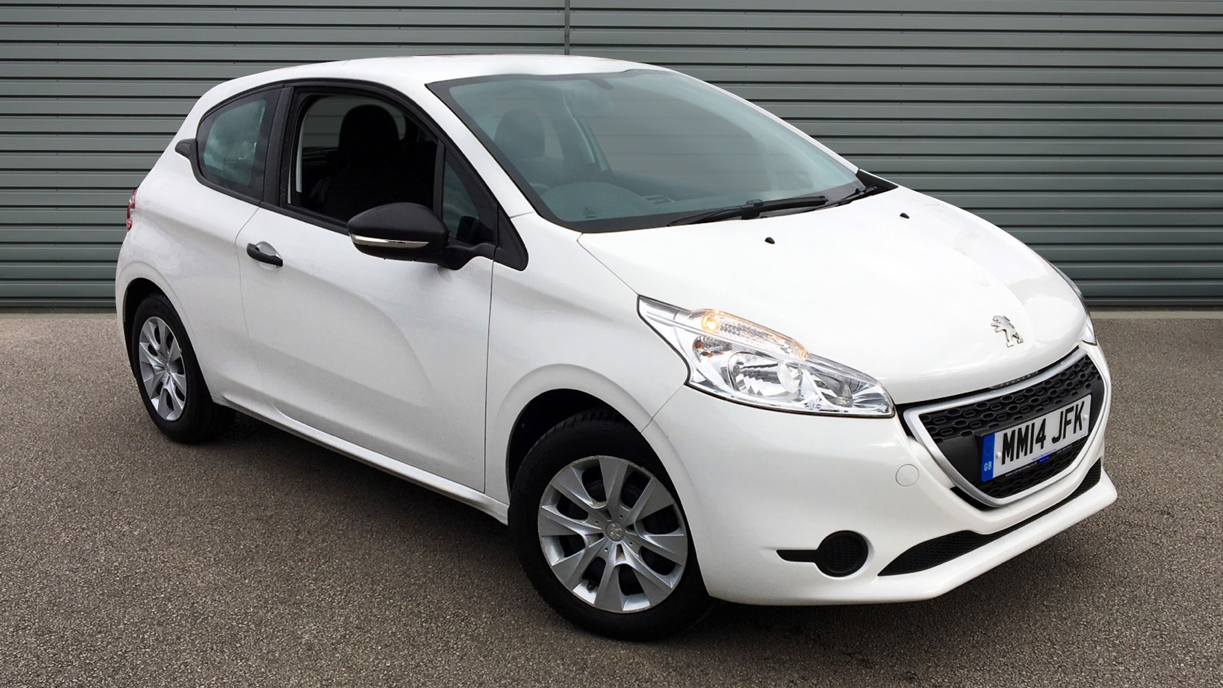 used peugeot 208 hatchback 1 0 vti access 3dr 2014 mm14jfk. Black Bedroom Furniture Sets. Home Design Ideas