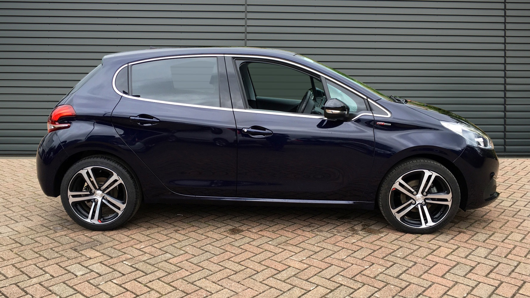 used peugeot 208 hatchback 1 6 bluehdi gt line 5dr start. Black Bedroom Furniture Sets. Home Design Ideas