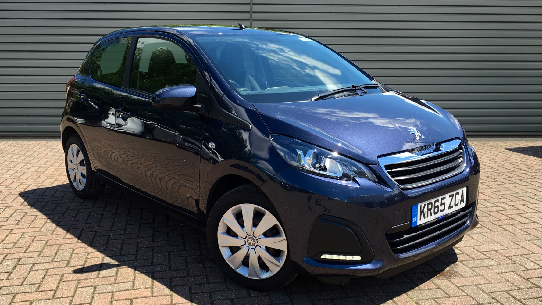 used peugeot 108 hatchback 1 0 active 2 tronic 5dr 2015 kr65zca. Black Bedroom Furniture Sets. Home Design Ideas