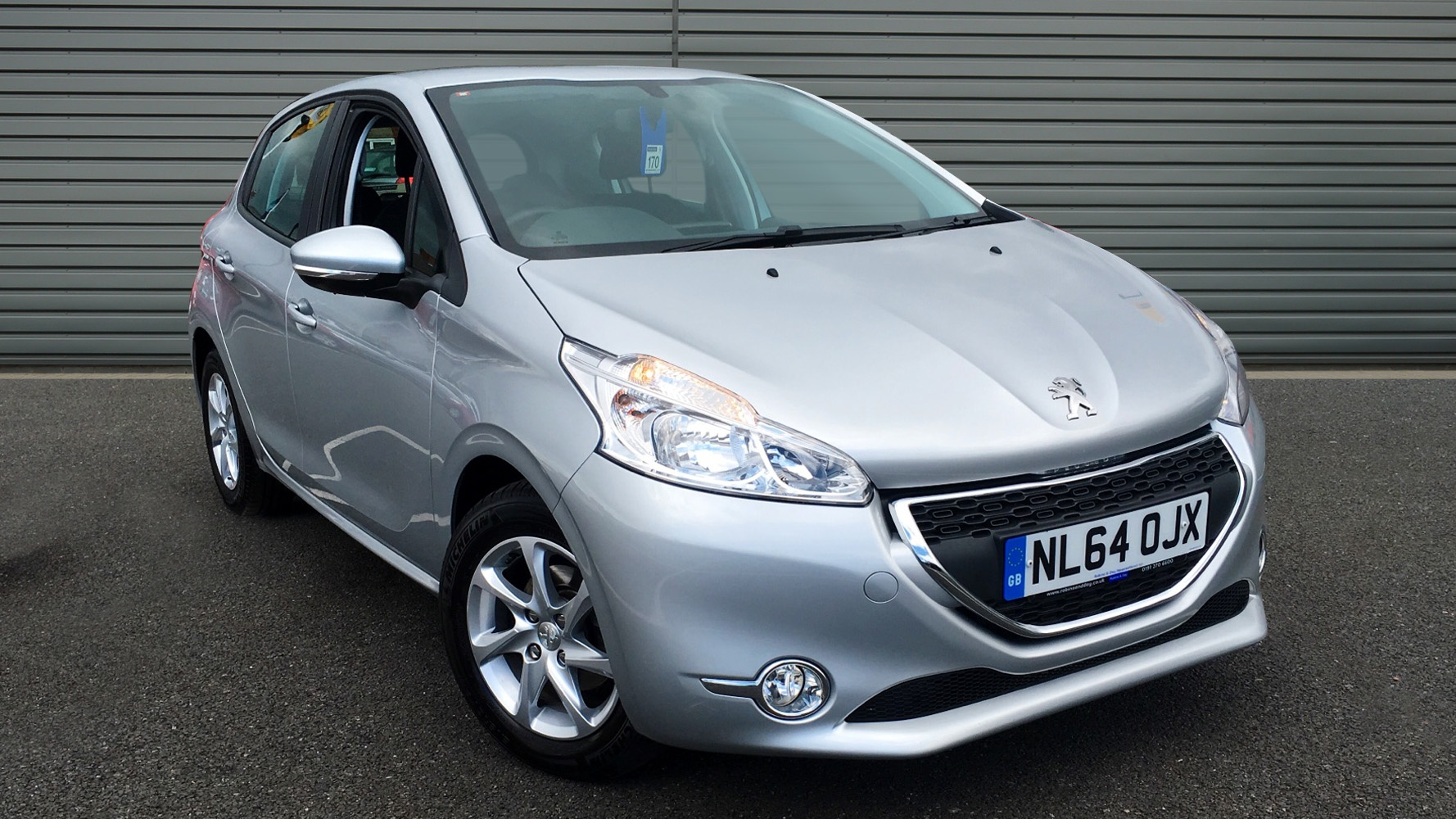 used peugeot 208 hatchback 1 2 vti active 5dr 2014 nl64ojx. Black Bedroom Furniture Sets. Home Design Ideas