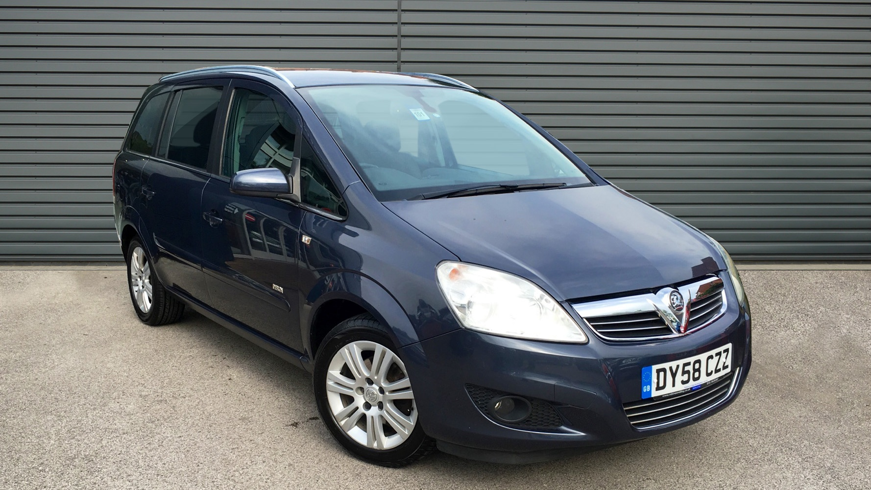 used vauxhall zafira mpv 1 8 i 16v design 5dr 2008 dy58czz. Black Bedroom Furniture Sets. Home Design Ideas