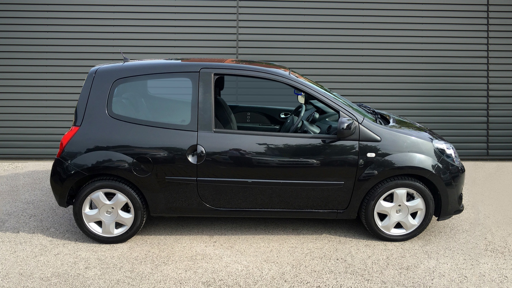used renault twingo hatchback 1 2 16v dynamique 3dr 2011 nx11zda. Black Bedroom Furniture Sets. Home Design Ideas