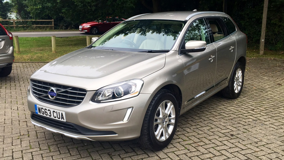 Volvo XC60 D4 SE Lux AWD Auto, Memory Drivers Seat, Heated Seats, Rear Sensors, Bending Xenon Lights.  2.4 Diesel Automatic 5 door 4x4 (2013) image