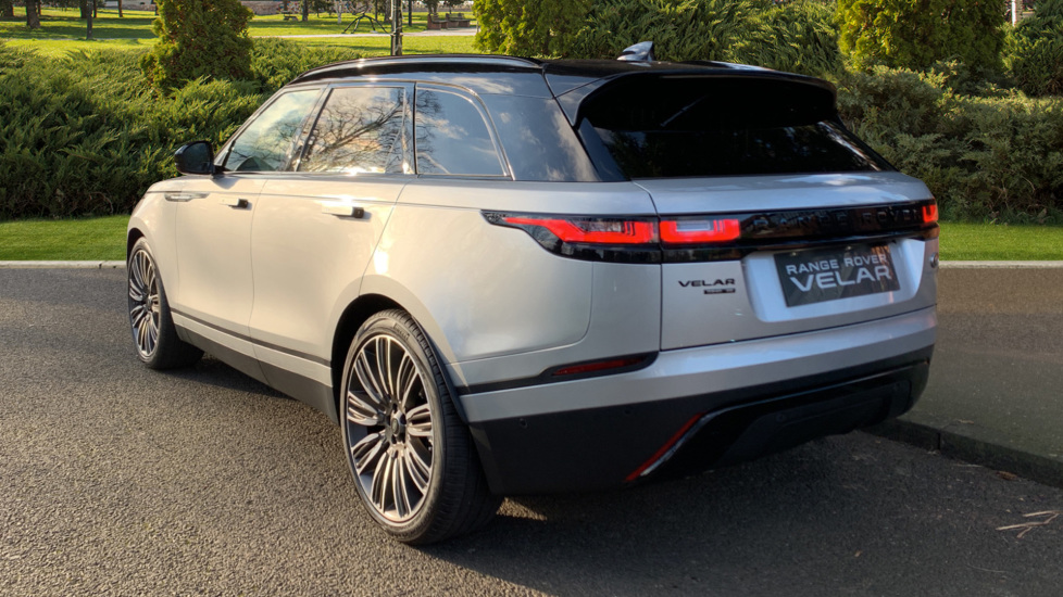 Land Rover Range Rover Velar D240 SE AWD **New Unregistered** SAVING OVER £10,000! image 2