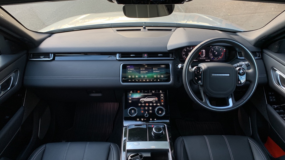 Land Rover Range Rover Velar D240 SE AWD **New Unregistered** SAVING OVER £10,000! image 9