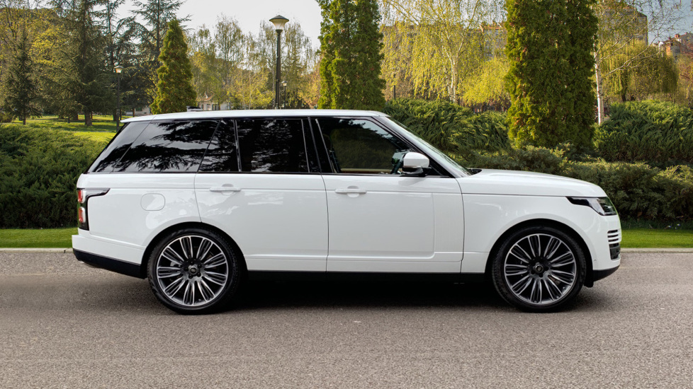 Land Rover Range Rover 4.4 SDV8 Autobiography 4dr - Sliding Panoramic Roof - Privacy Glass - Head Up Display image 5 thumbnail