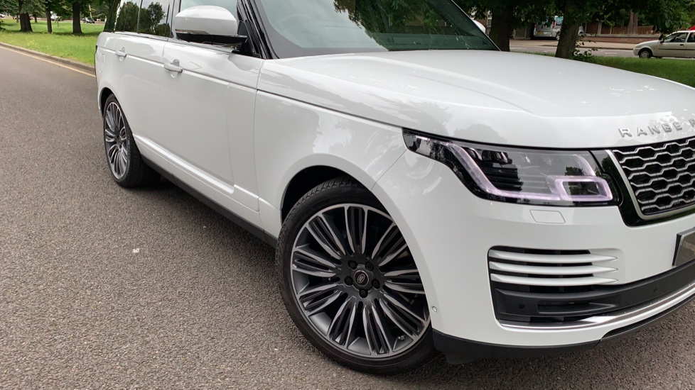 Land Rover Range Rover 4.4 SDV8 Autobiography 4dr - Sliding Panoramic Roof - Privacy Glass - Head Up Display image 31