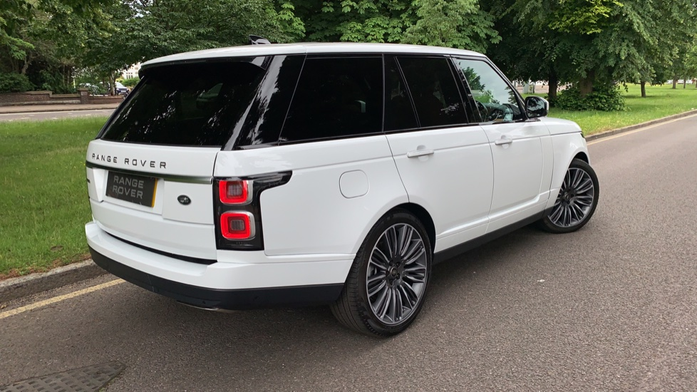 Land Rover Range Rover 4.4 SDV8 Autobiography 4dr - Sliding Panoramic Roof - Privacy Glass - Head Up Display image 33