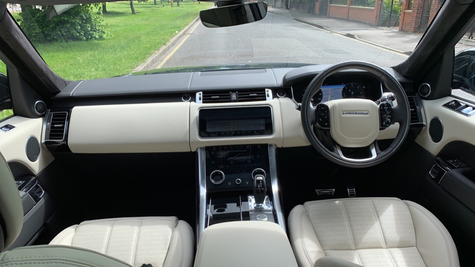 Land Rover Range Rover Sport 3.0 SDV6 Autobiography Dynamic 5dr Auto - 2019 MY - Sliding Panoramic Roof - Privacy Glass image 9