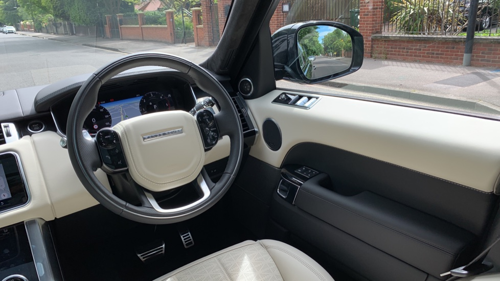 Land Rover Range Rover Sport 3.0 SDV6 Autobiography Dynamic 5dr Auto - 2019 MY - Sliding Panoramic Roof - Privacy Glass image 10