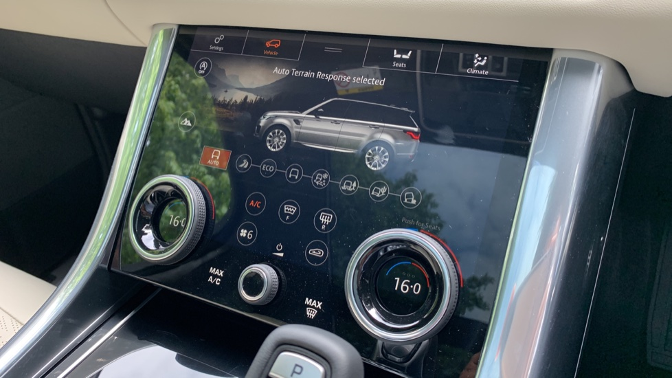 Land Rover Range Rover Sport 3.0 SDV6 Autobiography Dynamic 5dr Auto - 2019 MY - Sliding Panoramic Roof - Privacy Glass image 20