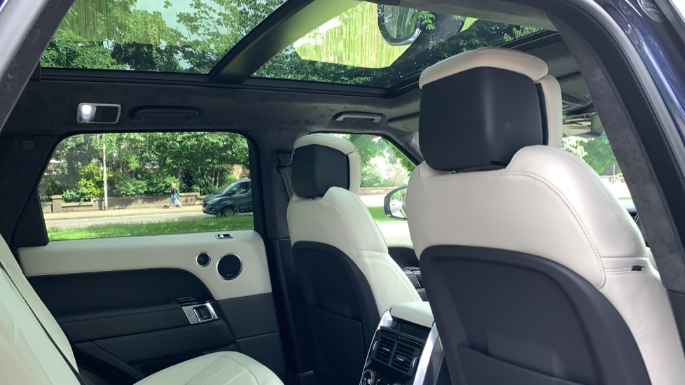 Land Rover Range Rover Sport 3.0 SDV6 Autobiography Dynamic 5dr Auto - 2019 MY - Sliding Panoramic Roof - Privacy Glass image 29