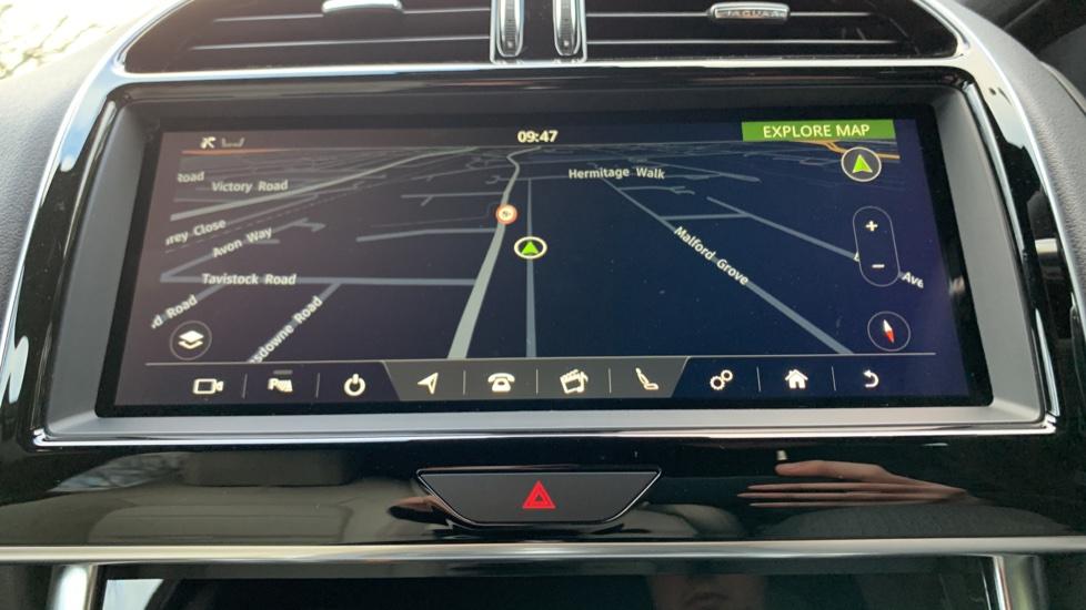 Jaguar XE XE 2.0 D R-SPORT 5dr NEW AND UNREGISTERED image 12