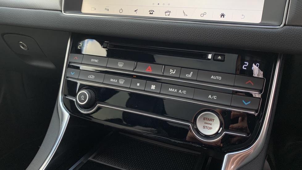 Jaguar XF SPORTBRAKE 2.0 D R-SPORT **New Unregistered image 10