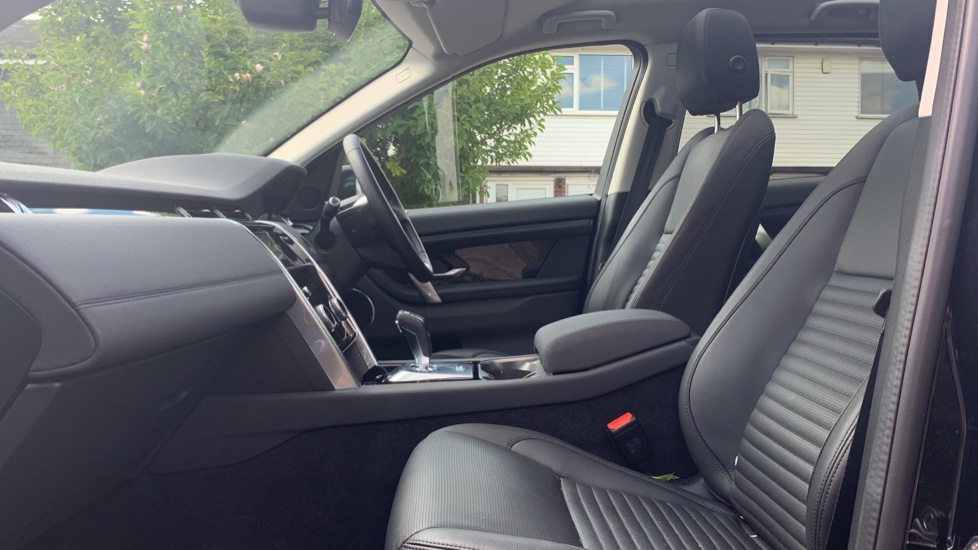 Land Rover Discovery Sport 2.0 D180 S 5dr image 3