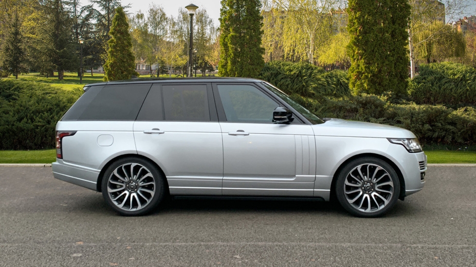 Land Rover Range Rover 3.0 TDV6 Autobiography 4dr - Sliding Panoramic Roof - Privacy Glass -  image 5
