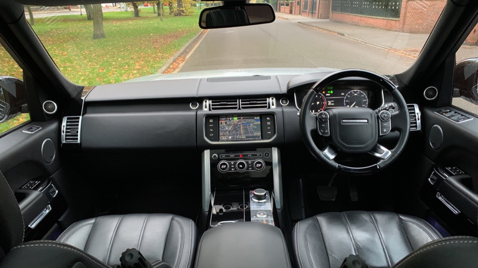 Land Rover Range Rover 3.0 TDV6 Autobiography 4dr - Sliding Panoramic Roof - Privacy Glass -  image 9
