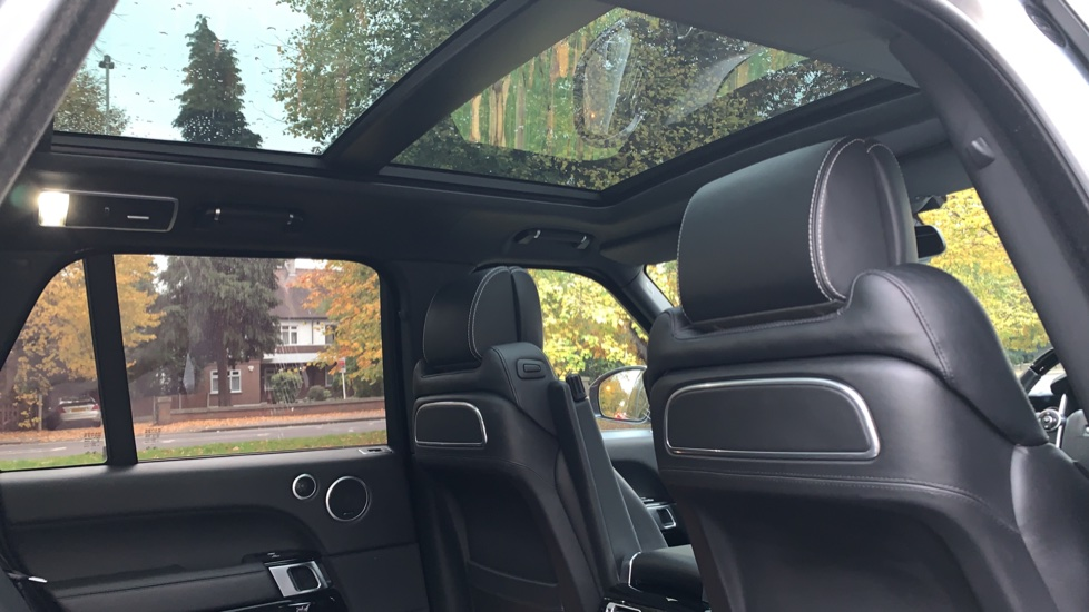 Land Rover Range Rover 3.0 TDV6 Autobiography 4dr - Sliding Panoramic Roof - Privacy Glass -  image 28