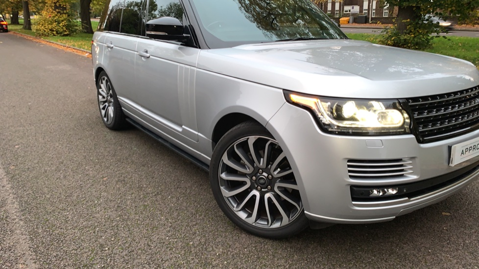 Land Rover Range Rover 3.0 TDV6 Autobiography 4dr - Sliding Panoramic Roof - Privacy Glass -  image 32