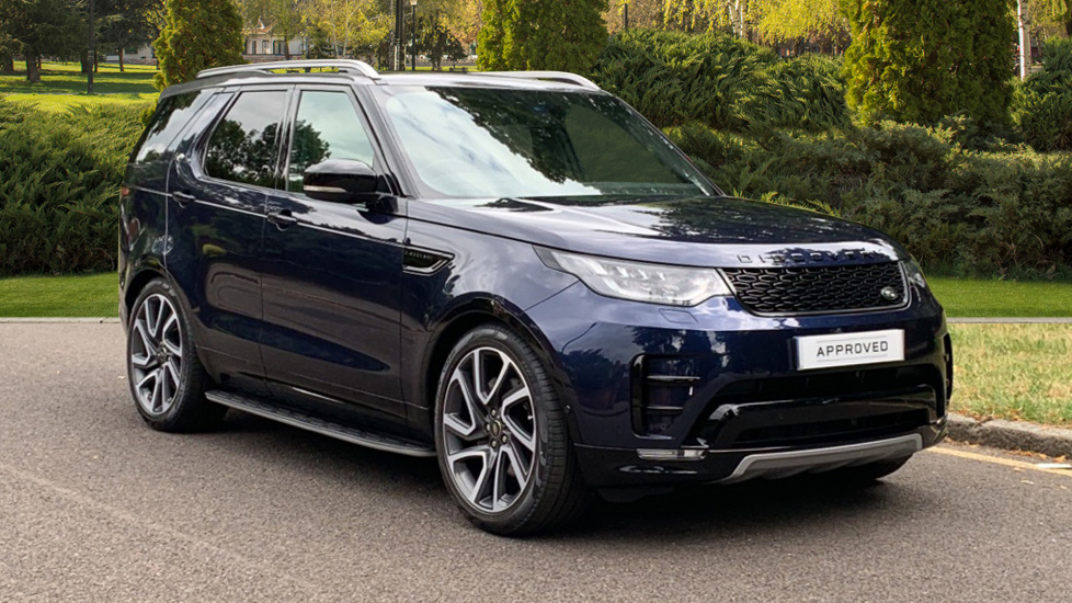 Land Rover Discovery 3.0 SDV6 HSE Luxury 5dr - Sliding Panoramic Roof - Privacy Glass -  Diesel Automatic Estate (2019) image