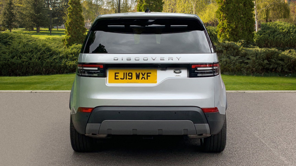Land Rover Discovery 3.0 SDV6 Anniversary Edition 5dr - Fixed Panoramic Roof - Privacy Glass - 5+2 Seats image 6