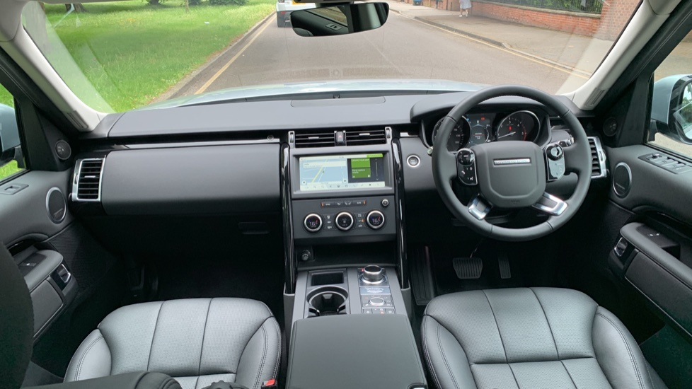 Land Rover Discovery 3.0 SDV6 Anniversary Edition 5dr - Fixed Panoramic Roof - Privacy Glass - 5+2 Seats image 9