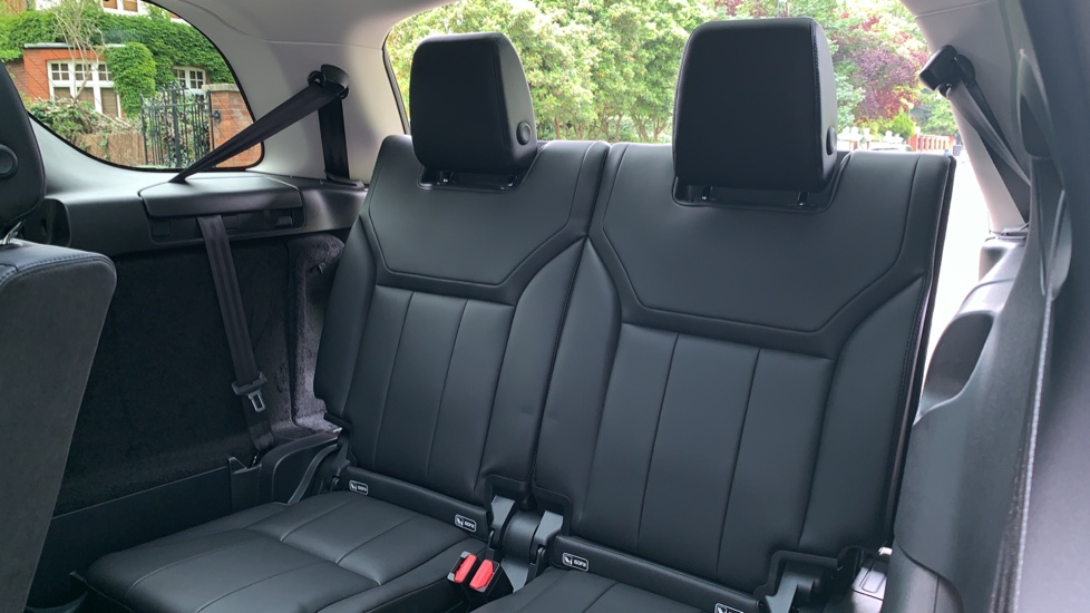 Land Rover Discovery 3.0 SDV6 Anniversary Edition 5dr - Fixed Panoramic Roof - Privacy Glass - 5+2 Seats image 33