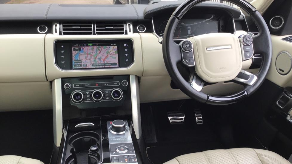 Land Rover Range Rover 4.4 SDV8 Autobiography 4 dr image 9
