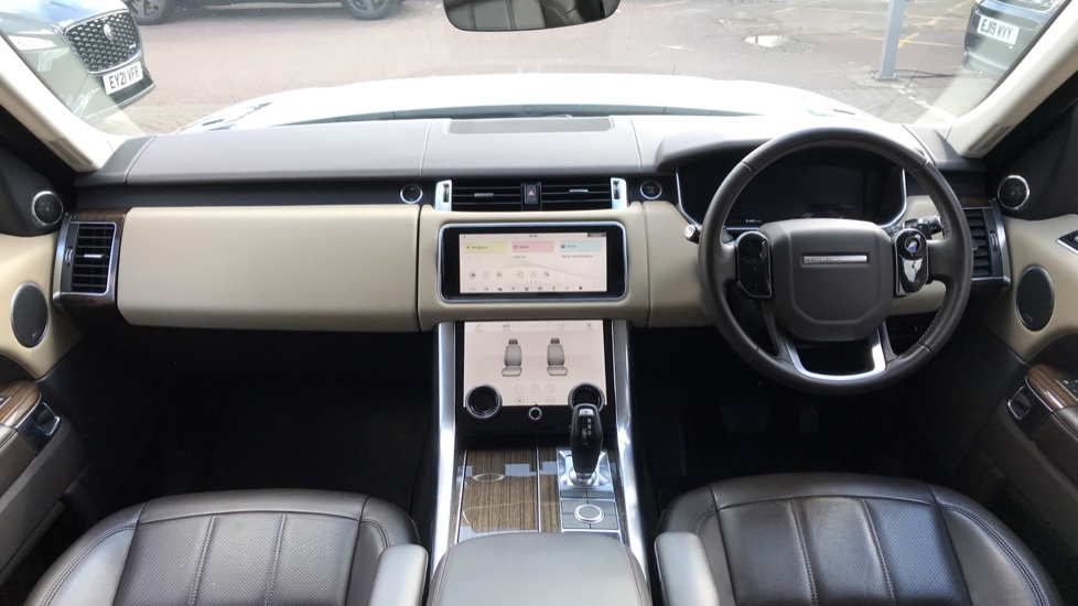 Land Rover Range Rover Sport 3.0 SDV6 HSE image 9