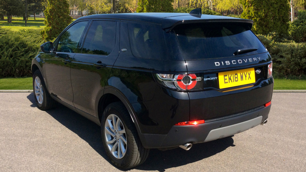 Land Rover Discovery Sport 2.0 TD4 180 SE 5dr - Privacy Glass - Fixed Panoramic Roof - 7 Seats image 2