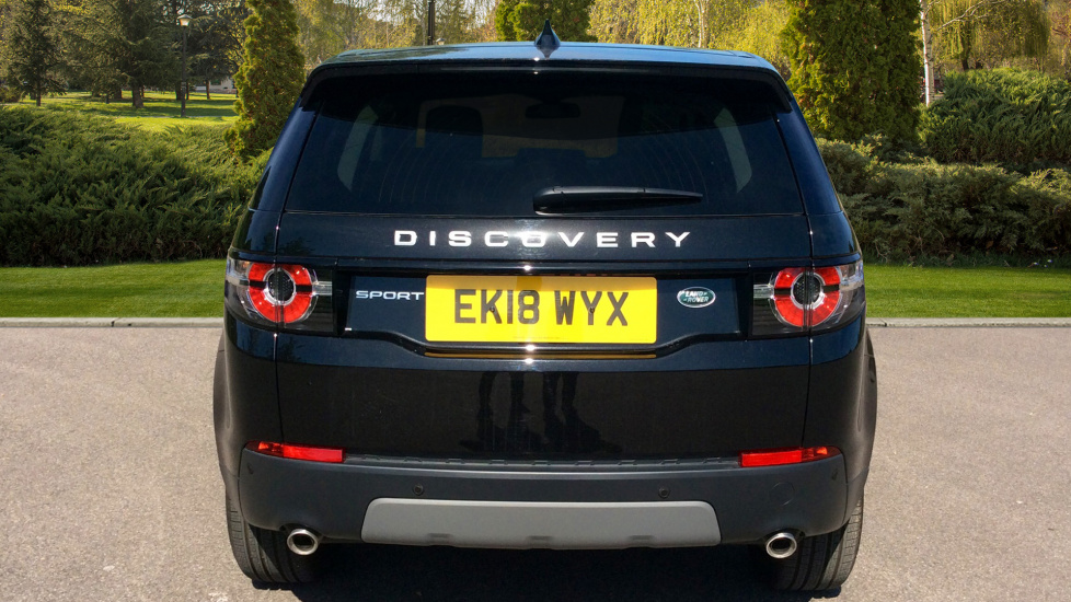Land Rover Discovery Sport 2.0 TD4 180 SE 5dr - Privacy Glass - Fixed Panoramic Roof - 7 Seats image 6