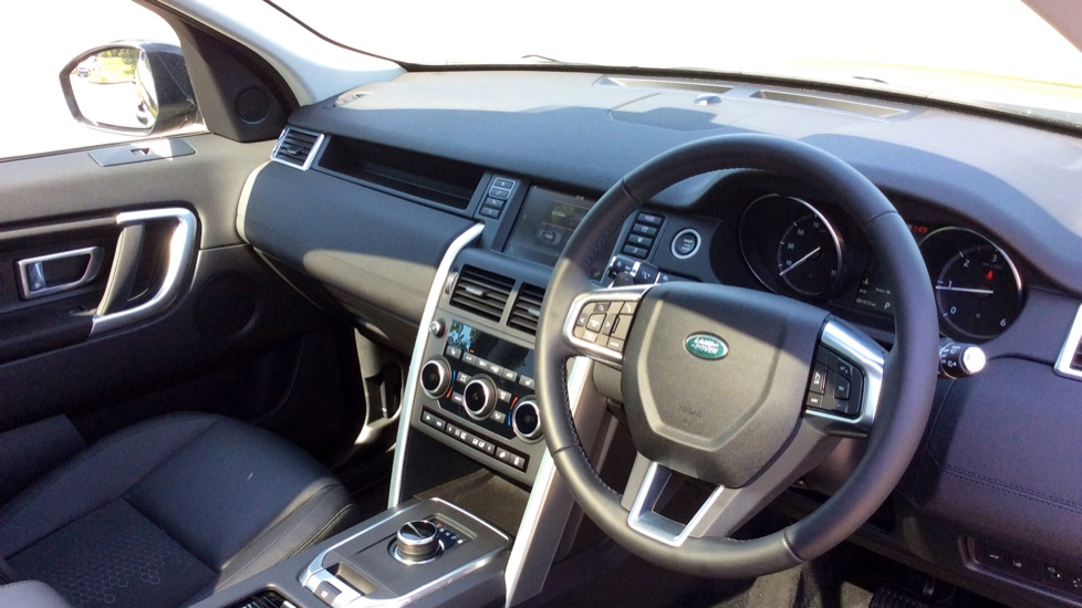 Land Rover Discovery Sport 2.0 TD4 180 SE 5dr - Privacy Glass - Fixed Panoramic Roof - 7 Seats image 23