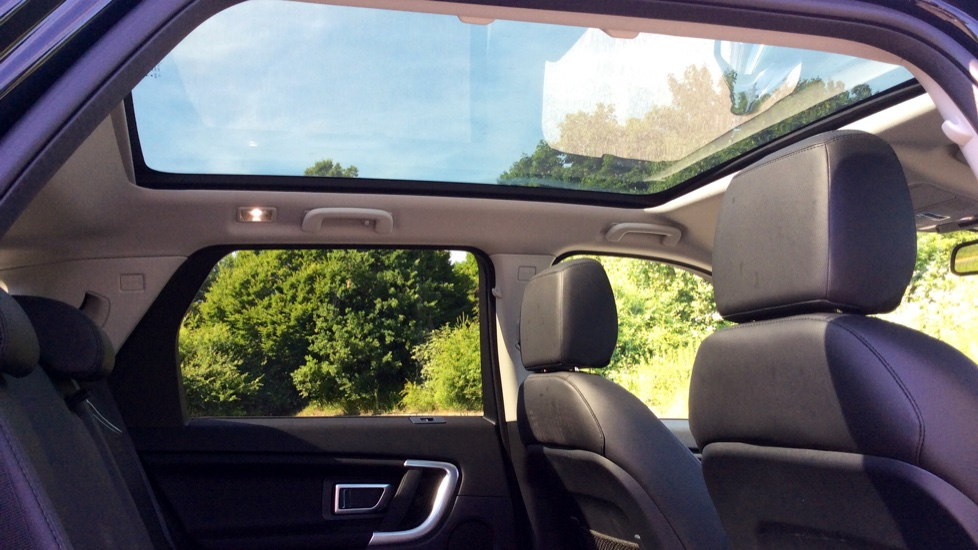 Land Rover Discovery Sport 2.0 TD4 180 SE 5dr - Privacy Glass - Fixed Panoramic Roof - 7 Seats image 25