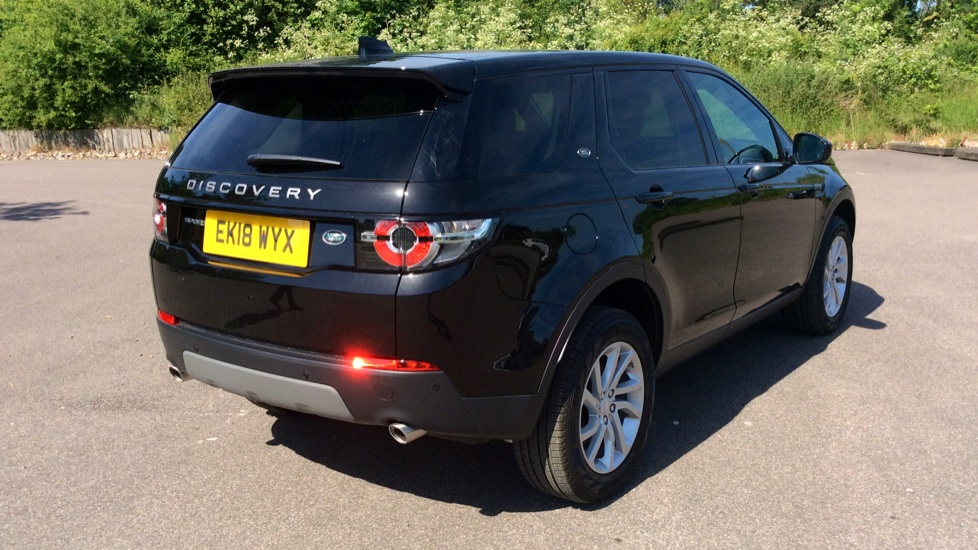 Land Rover Discovery Sport 2.0 TD4 180 SE 5dr - Privacy Glass - Fixed Panoramic Roof - 7 Seats image 31