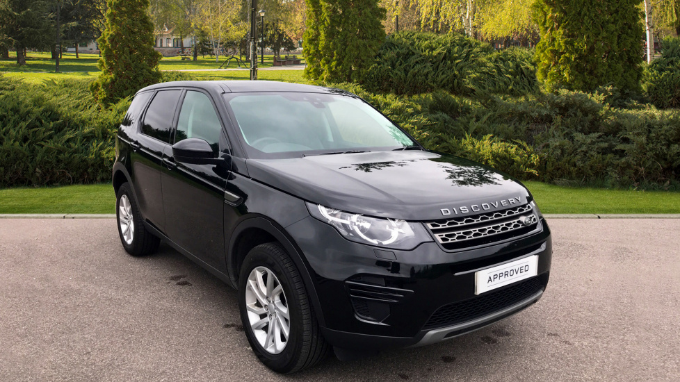 Land Rover Discovery Sport 2.0 TD4 180 SE 5dr - Privacy Glass - Fixed Panoramic Roof - 5+2 Seats - Nearly New Diesel Automatic 4x4 (2017) image