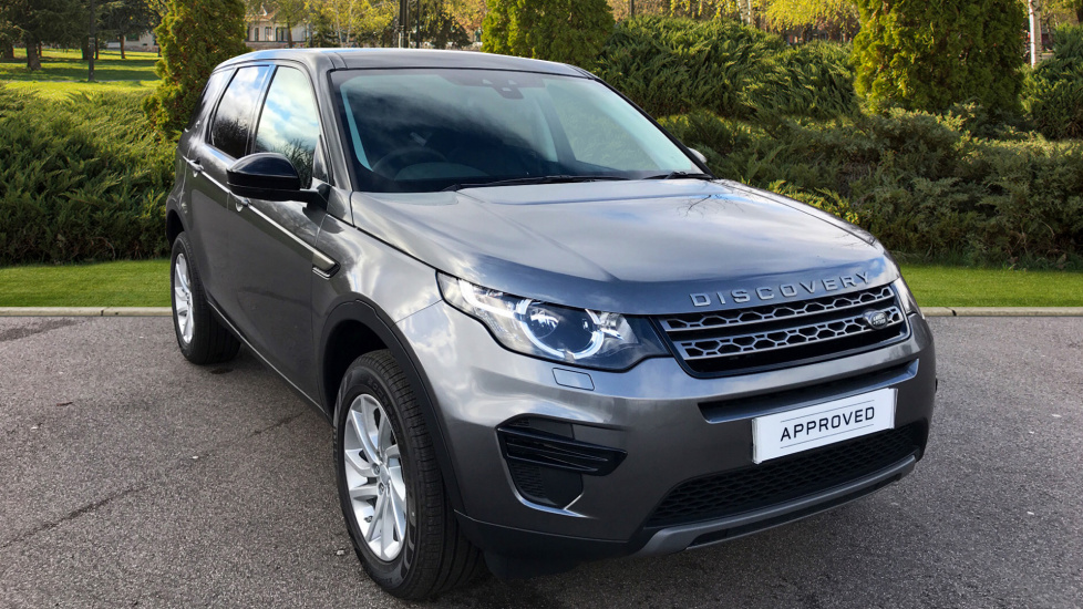 Land Rover Discovery Sport 2.0 TD4 180 SE 5dr + Fixed Panoramic Roof - Privacy Glass Diesel Automatic 4x4 (2018) image