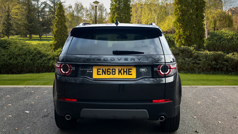 Land Rover Discovery Sport 2.0 Si4 240 HSE 5dr - Fixed Panoramic Roof - Privacy Glass - 5+2 Seats - image 6