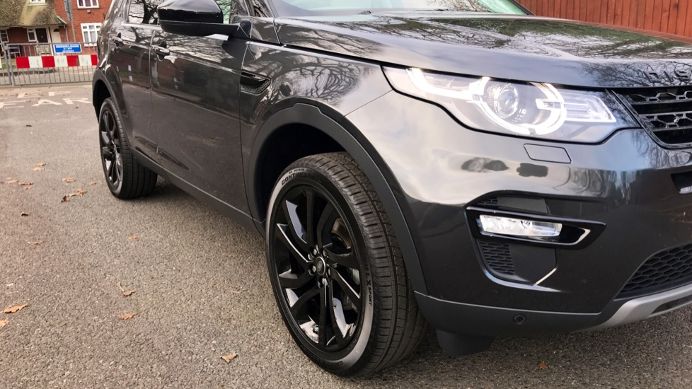 Land Rover Discovery Sport 2.0 Si4 240 HSE 5dr - Fixed Panoramic Roof - Privacy Glass - 5+2 Seats - image 35