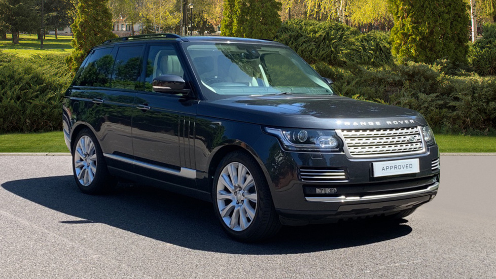Land Rover Range Rover 3.0 TDV6 Vogue SE 4dr - Sliding Panoramic Roof - Privacy Glass -  Diesel Automatic 5 door Estate (2015) image