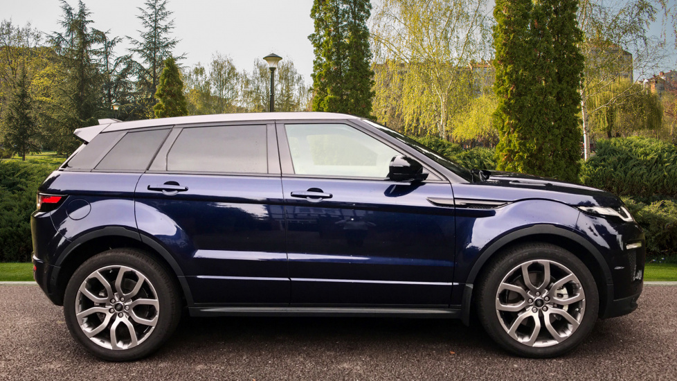 Land Rover Range Rover Evoque 2.0 SD4 HSE Dynamic Lux 5dr - Fixed Panoramic Roof - Privacy Glass - Head Up Display -  image 5