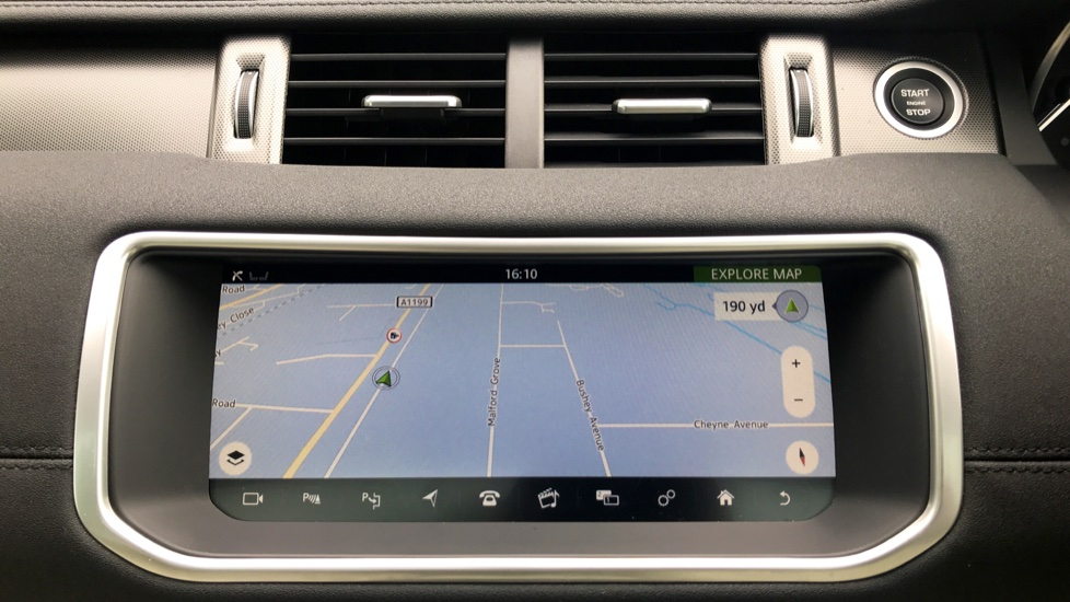 Land Rover Range Rover Evoque 2.0 SD4 HSE Dynamic Lux 5dr - Fixed Panoramic Roof - Privacy Glass - Head Up Display -  image 16
