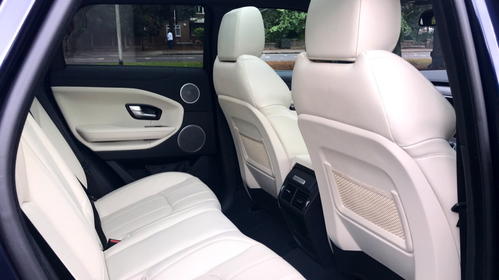 Land Rover Range Rover Evoque 2.0 SD4 HSE Dynamic Lux 5dr - Fixed Panoramic Roof - Privacy Glass - Head Up Display -  image 30