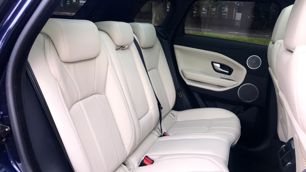 Land Rover Range Rover Evoque 2.0 SD4 HSE Dynamic Lux 5dr - Fixed Panoramic Roof - Privacy Glass - Head Up Display -  image 31