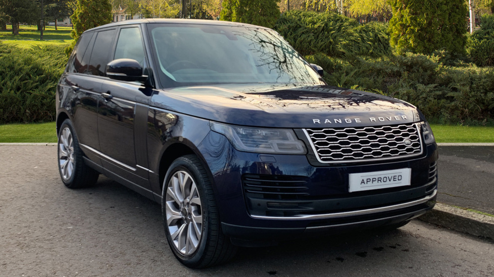 Land Rover New Range Rover 4.4 SDV8 Vogue 5dr - Fixed Panoramic Roof - Privacy Glass Diesel Automatic Estate (2019) image