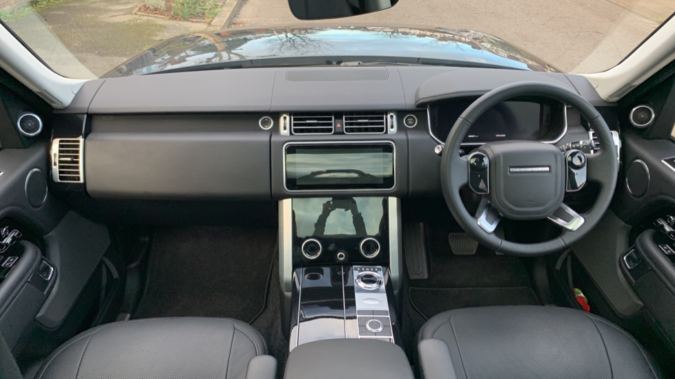 Land Rover New Range Rover 4.4 SDV8 Vogue 5dr - Fixed Panoramic Roof - Privacy Glass- In control Touch Pro-Immediate Delivery. image 9