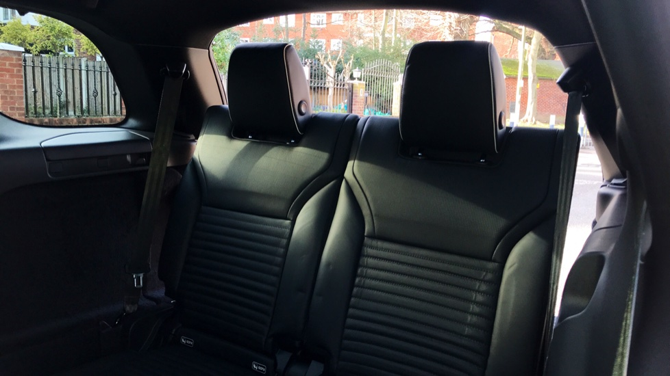 Land Rover Discovery 2.0 Si4 HSE 5dr - Sliding Panoramic Roof - Privacy Glass - 5+2 Seats -  image 29