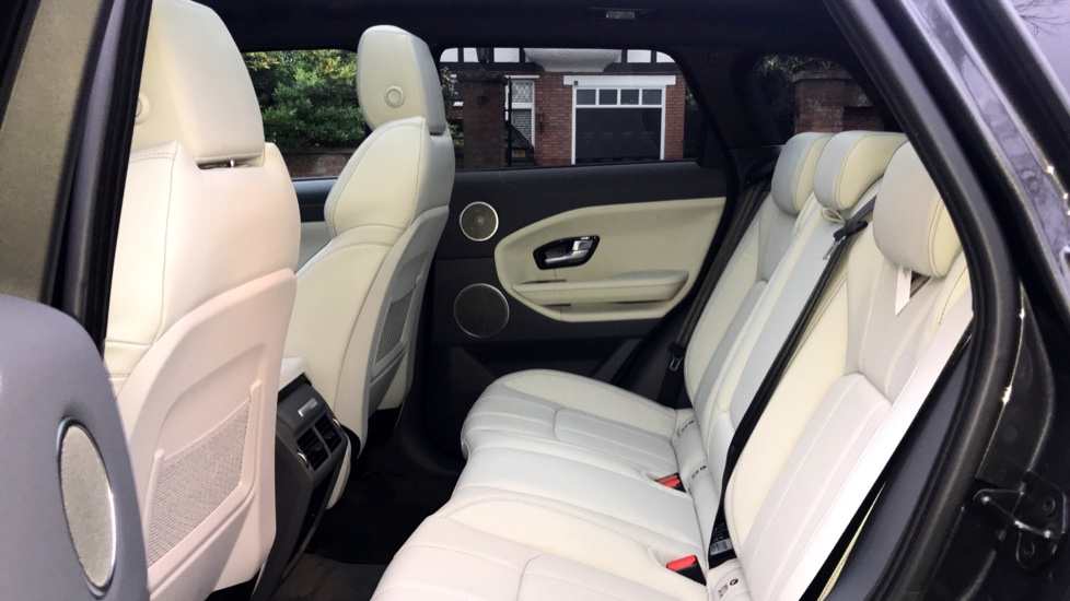 Land Rover Range Rover Evoque 2.0 SD4 HSE Dynamic 5dr - Fixed Panoramic Roof - Privacy Glass -  image 4
