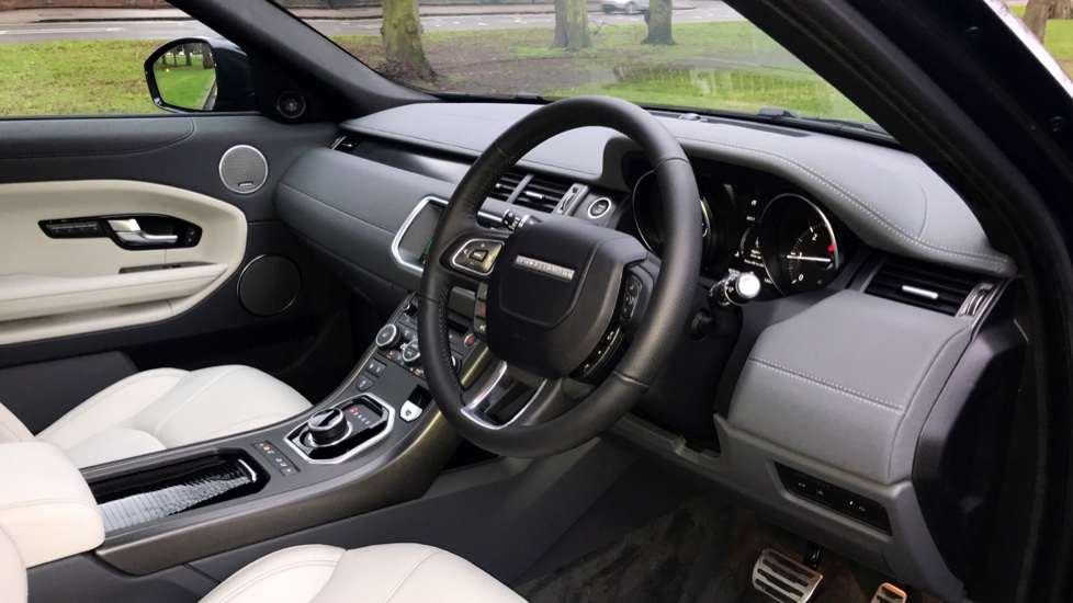 Land Rover Range Rover Evoque 2.0 SD4 HSE Dynamic 5dr - Fixed Panoramic Roof - Privacy Glass -  image 25