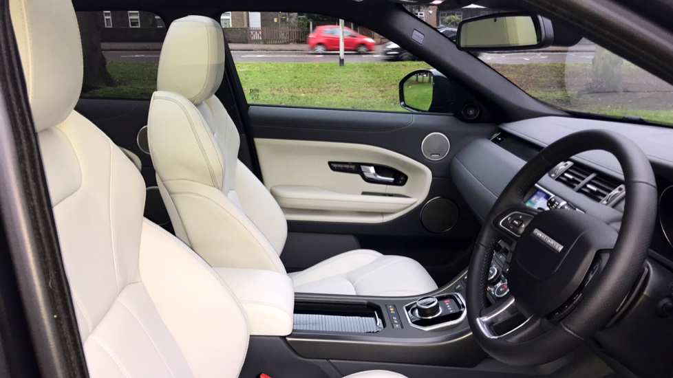 Land Rover Range Rover Evoque 2.0 SD4 HSE Dynamic 5dr - Fixed Panoramic Roof - Privacy Glass -  image 26