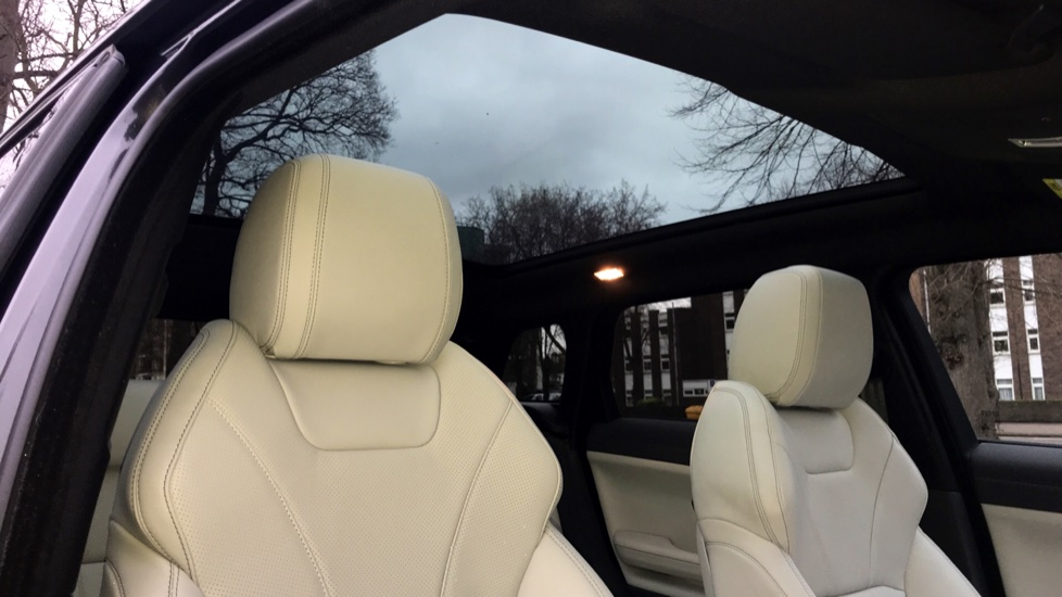 Land Rover Range Rover Evoque 2.0 SD4 HSE Dynamic 5dr - Fixed Panoramic Roof - Privacy Glass -  image 27